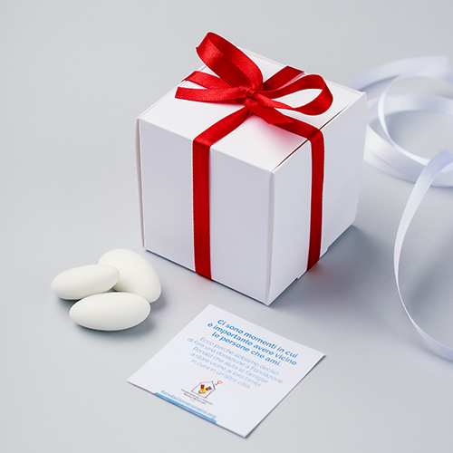 Scatolina bianca per confetti